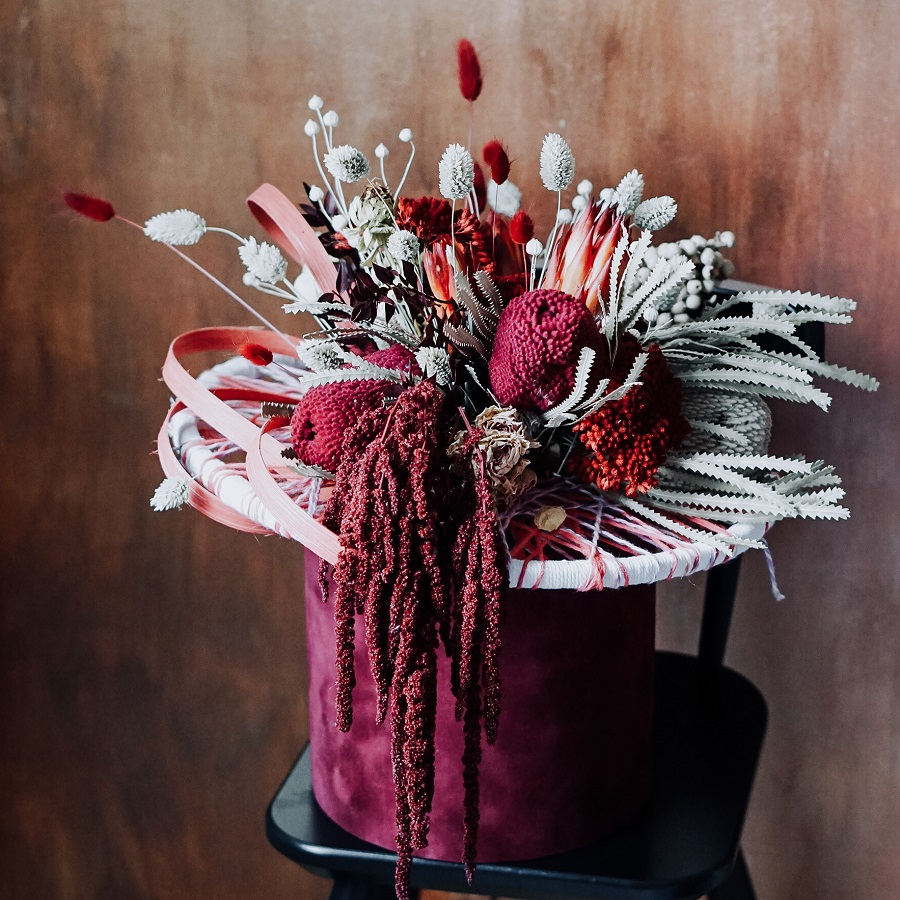 cutie de catifea cadou cu flori exotice