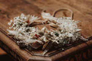 coronita de mireasa boho cu flori uscate